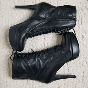 Nine West Giddyo Black Platform Lace up Boots